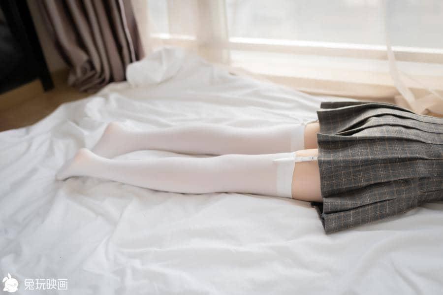 兔玩映画 吊带白丝袜 [40P65M]