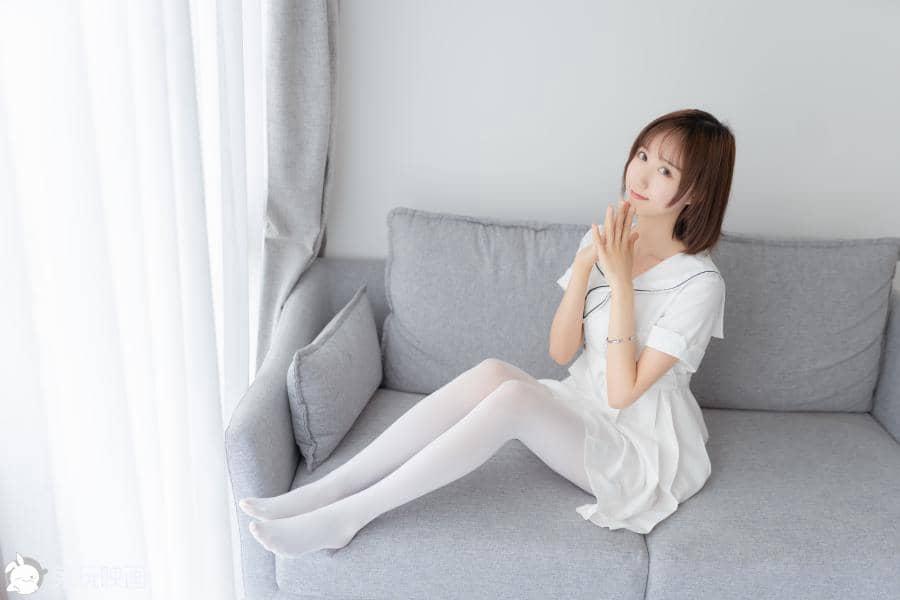 兔玩映画 纯情白裙 [40P135M]