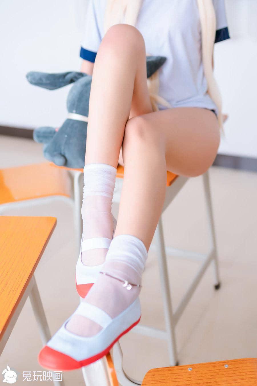 兔玩映画 教室里的穹妹 [40P557M]