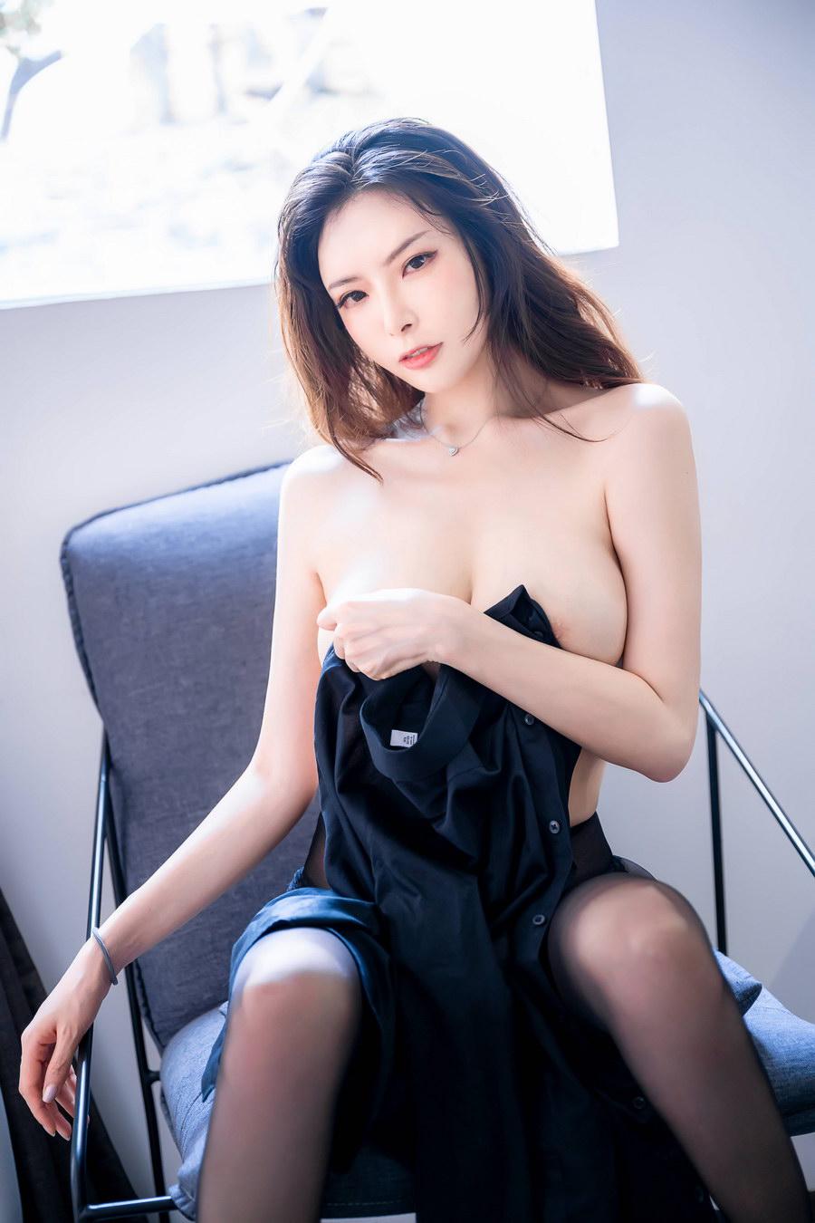 秋和柯基 - 黑色衬衫 [38P803M]