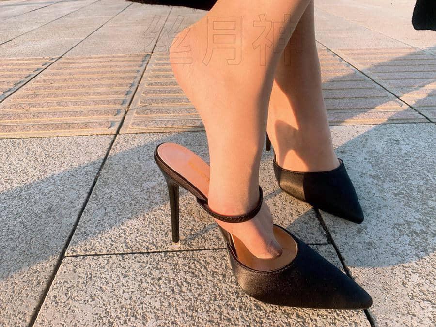 丝月神 - 肉丝皮裙绸面高跟鞋 [66P538M]