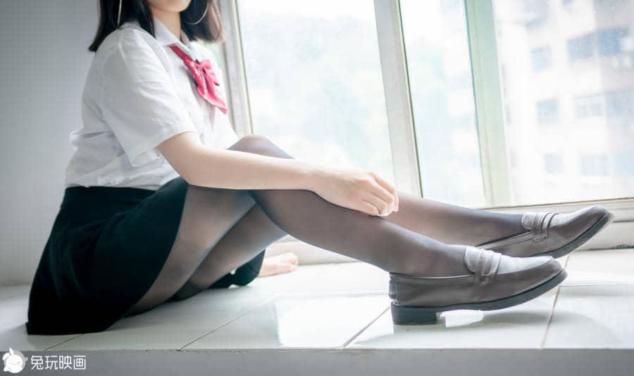 兔玩映画 教室里的少女 [45P348M]